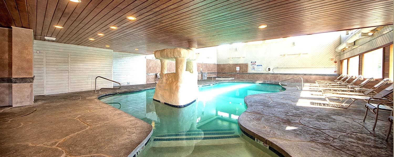 Wells ME suite hotel pool