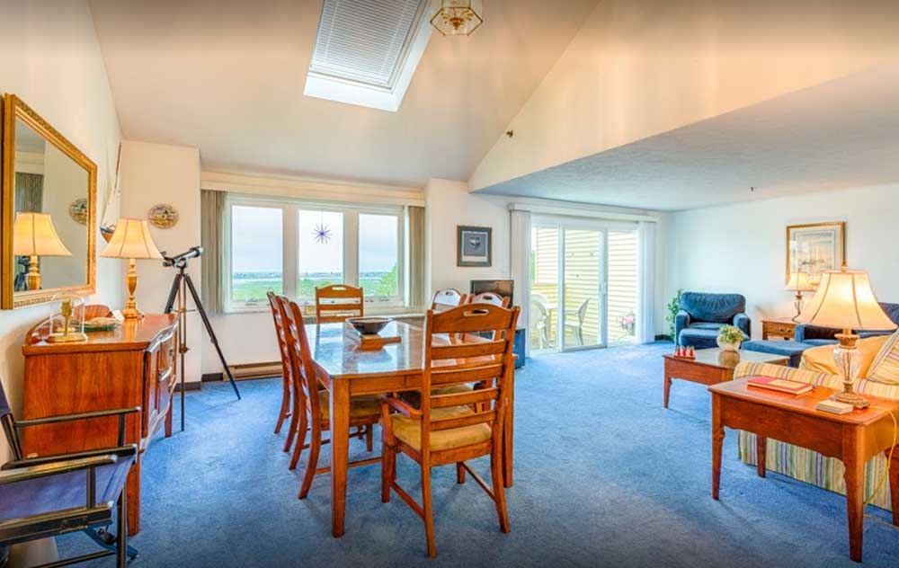 Dining Area in Wells Maine Condos for Rent