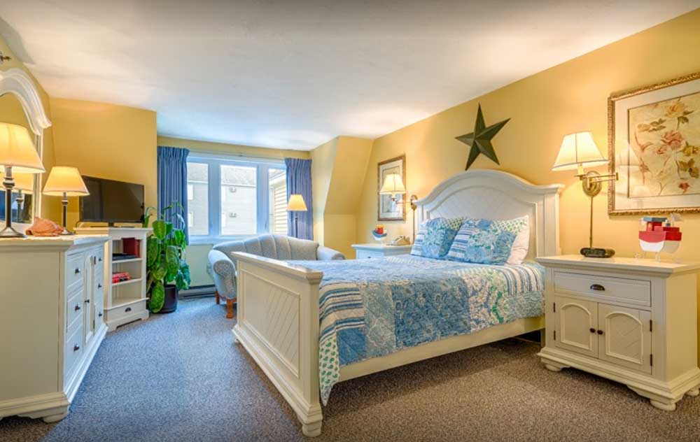 Yellow and Blue themed bedroom in Maine vacation condo