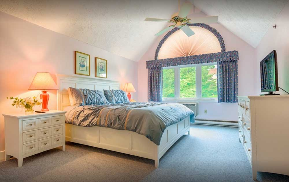 Pastel themed room at Village by the Sea - lodging in Wells Maine