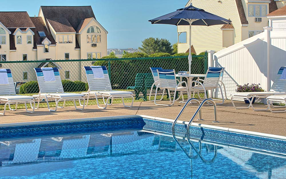 pool at wells maine hotel